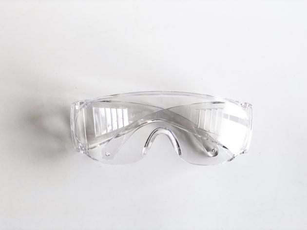 【福利品】安全護目鏡_台灣製_防飛沫、不起霧、抗UV、遮風、擋雨 5