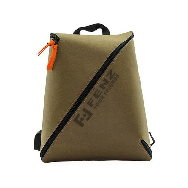 義大利獨家進口精品-FENZ 超輕防潑濺 一體成形後背包 (麂皮淺棕色) 1
