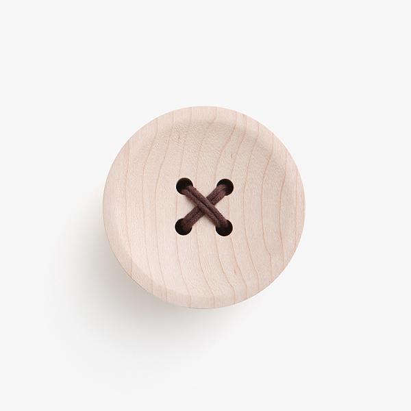 pana objects 楓木鈕釦-掛架 1